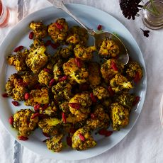 A37e4c12 2763 4c2f 8771 b1f04c621811  2017 0711 cauliflower with tahini and activated charcoal bobbi lin 31026