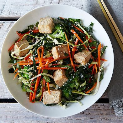 5 Ways to Add Vegetarian Protein to Lunch Salads