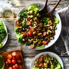 86282184 84d8 4c91 b6f1 c1e7df8f3591  2018 0320 panzanella with marinated chickpeas 3x2 julia gartland 110