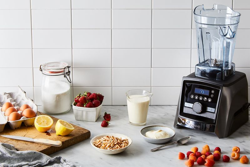 Give your whipped cream a quick whirl in the Vitamix Aer™ Disc Container for long-lasting, gravity defying peaks.